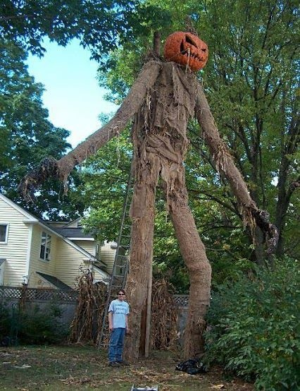 The 13 Best Halloween Houses Decorations!