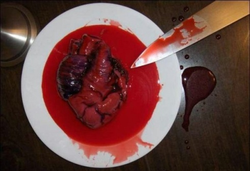 10 Extreme Halloween Delicacies That Will Not Leave You Cold!