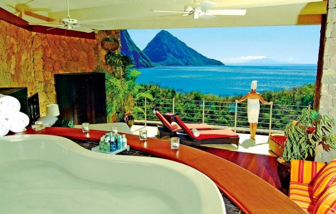 The 10 Most Amazing Hotel Bathrooms Ever!