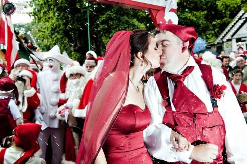 The Greatest Just Married Photos Ever! 10 Pics!