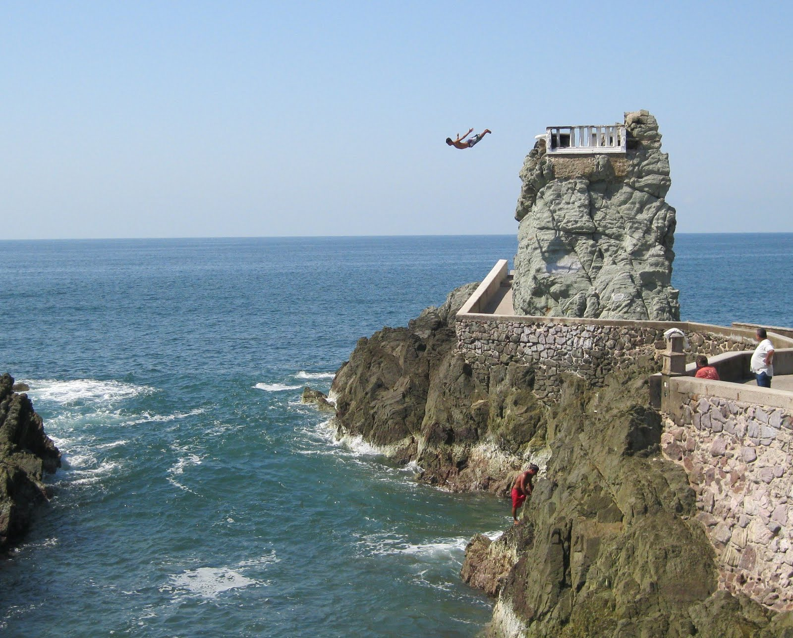 Top 10 of world 39 s best cliff diving spots acapulco mexico - The cliff dive ...