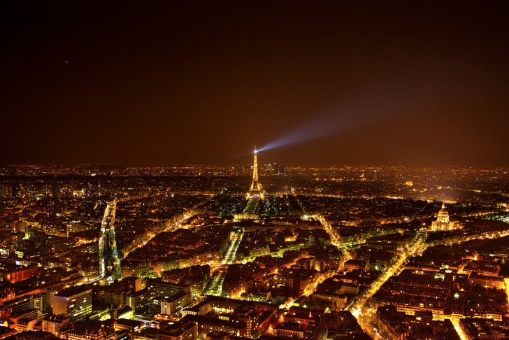 10 Amazing Pics of European Cities at Night!