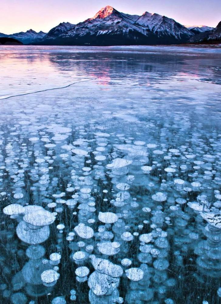 Abraham Lake, Canada | 8 Most Beautiful Water Landscapes ...