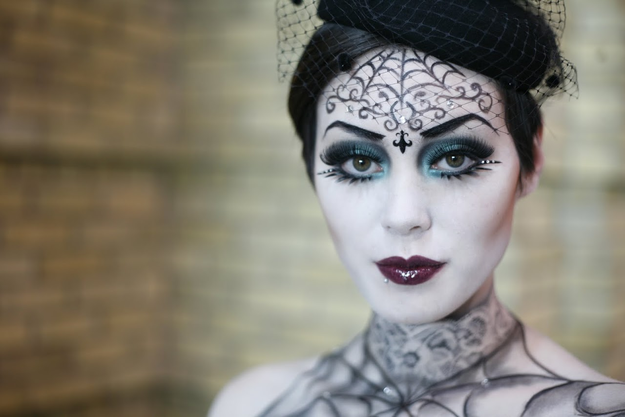 30 halloween makeup ideas for women. Black Bedroom Furniture Sets. Home Design Ideas