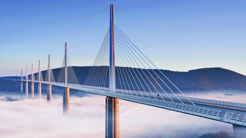 13 Tallest Man-Made Picturesque Structures!