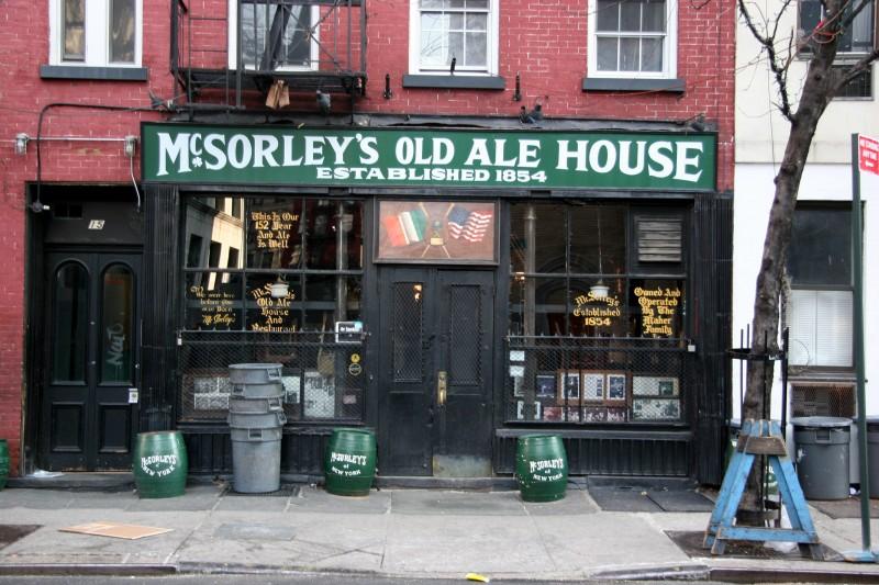 Interesting: 5 Legendary Bars with History!