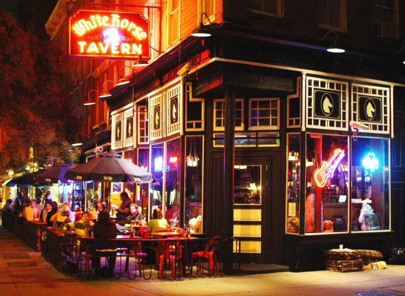 Interesting: 5 Legendary Bars with History!