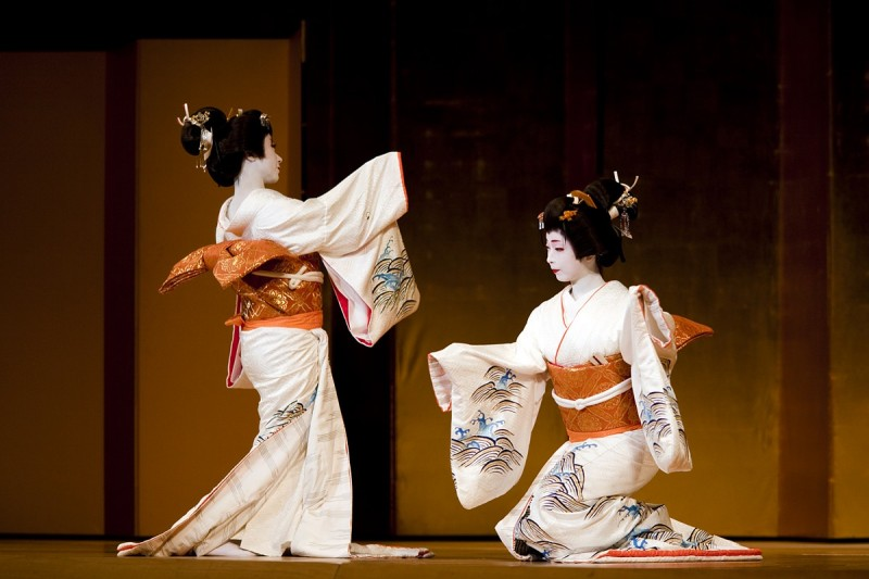 17 Fascinating Facts About Life and Traditions of Geisha!