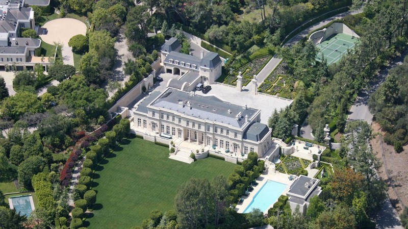 10 Most Luxurious Houses in the World and Their Owners!