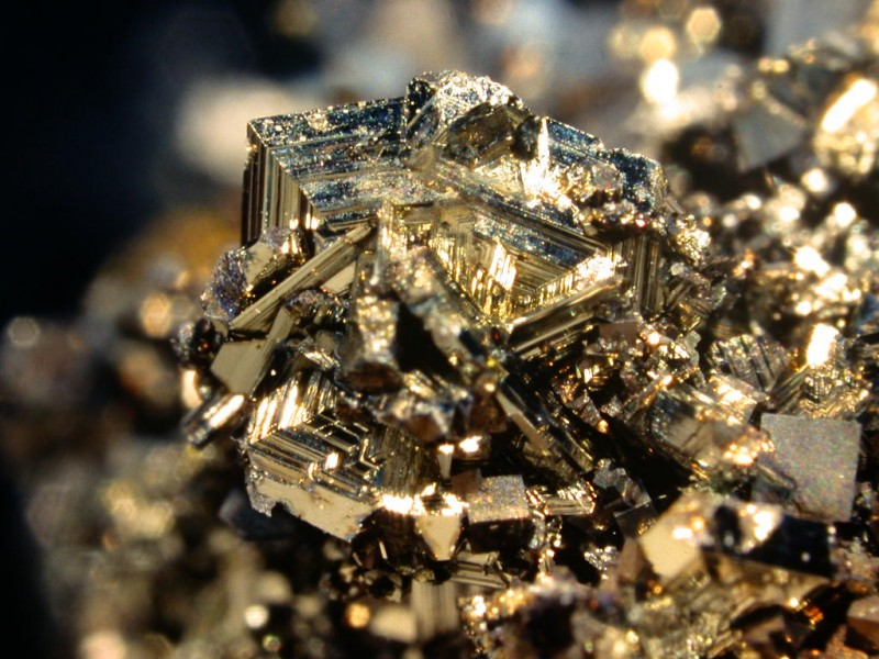 10 Minerals From All Around The World That Can Kill You!